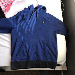 855d37f0 67% off Nike Tops - 🚫SOLD on Ⓜ️erc Nike Therma-Fit Hoodie from ...